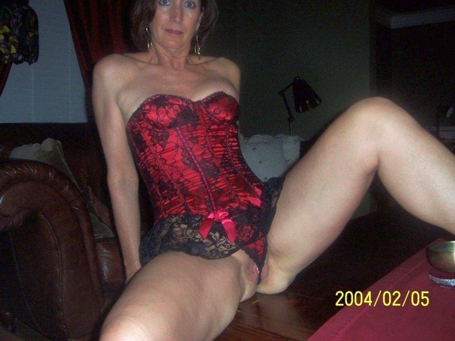 flashing pussy Mom her