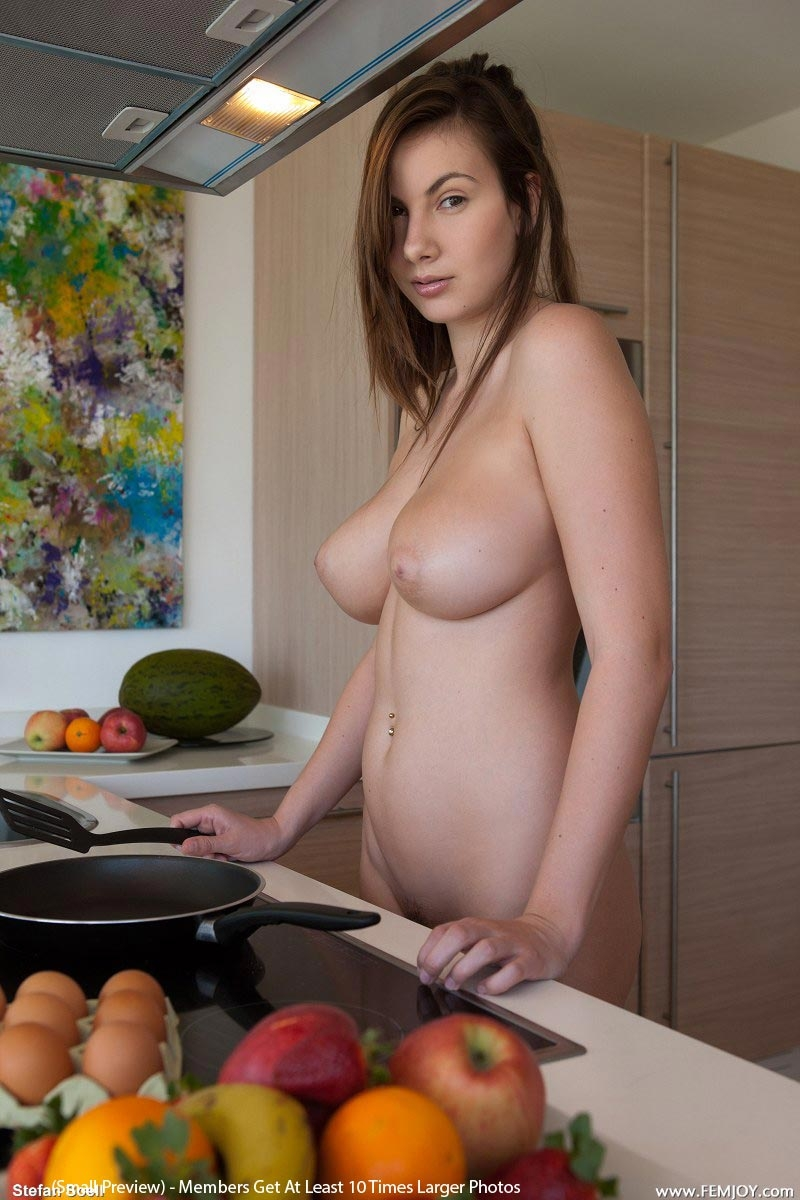 breakfast nude making Women