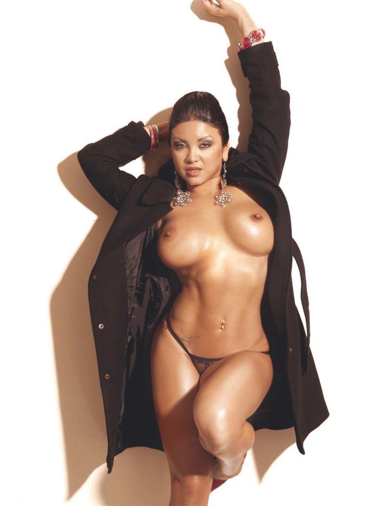 naked Khrysti hill