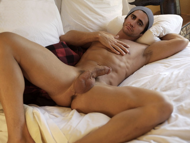 gay nude gyllenhaal Jake