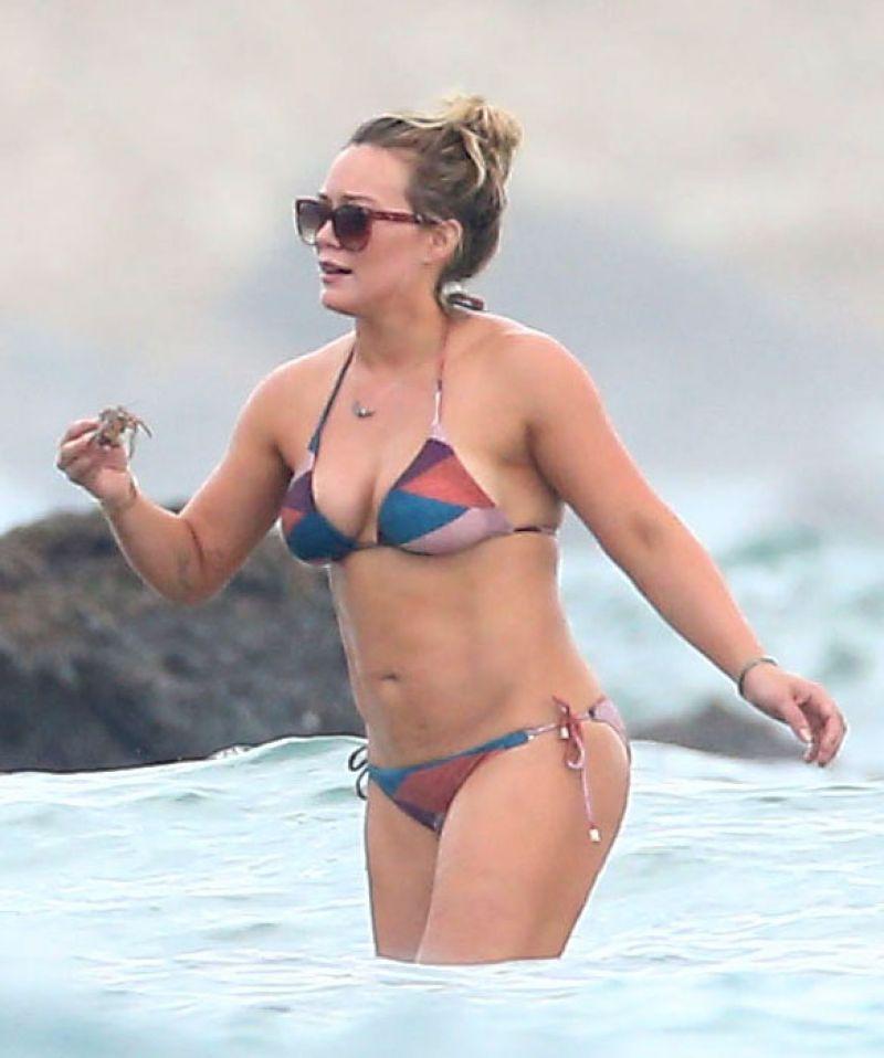 bikini Hilary duff