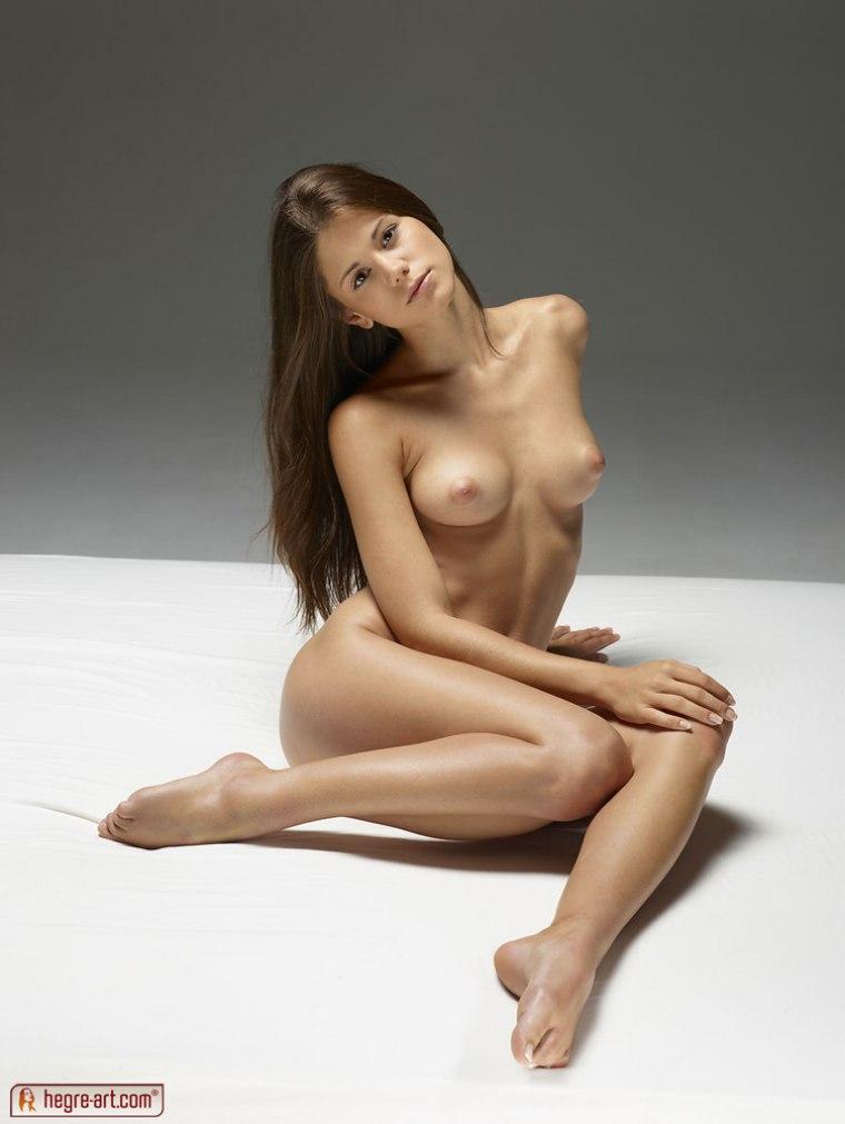 art models Hegre nude black
