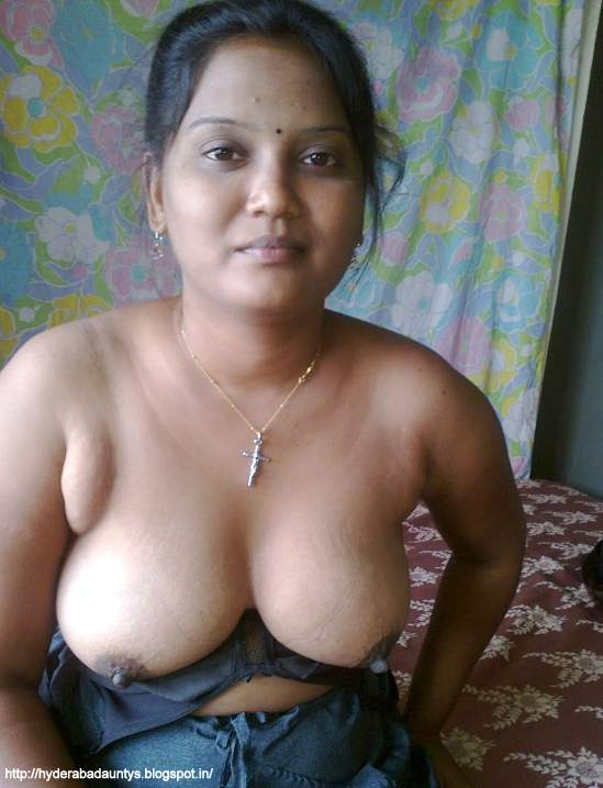 Hot boobs mallu aunty