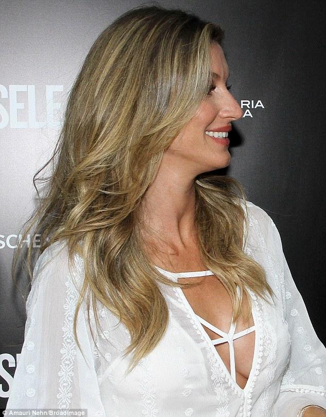 blouse low cut Big boobs