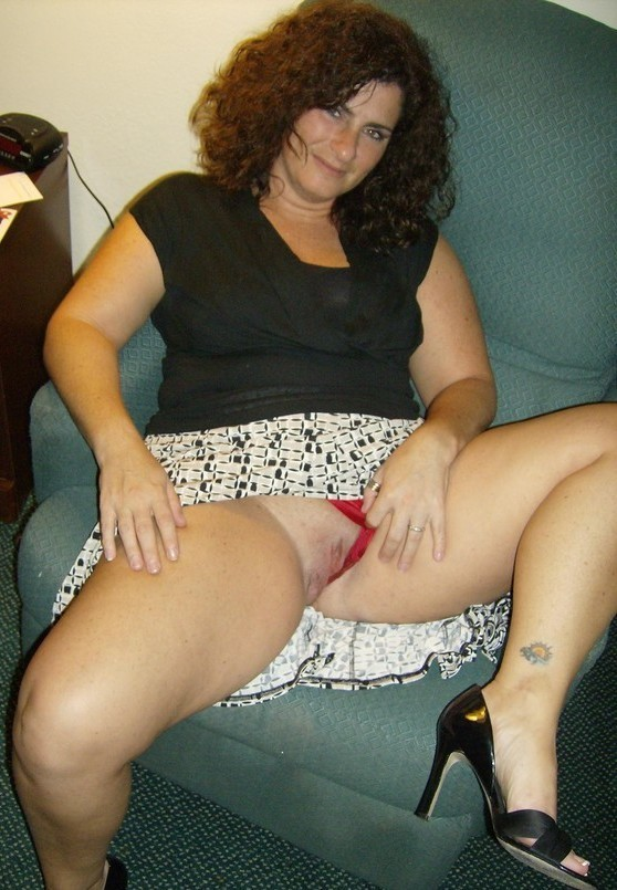 Mom flashing amateur