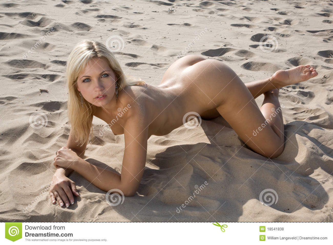 on sex Girl nude beach