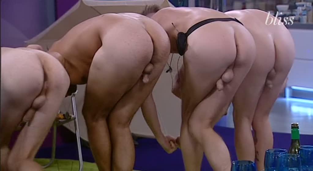 big nude brother of Men