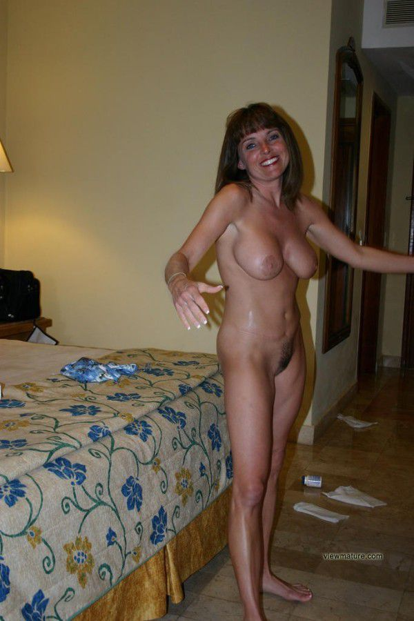 hotel rooms in mature women Older